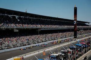 Scott Dixon, Chip Ganassi Racing Honda, mène au départ