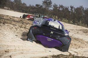 The crashed car of Cristina Gutierrez, Sebastien Loeb, X44