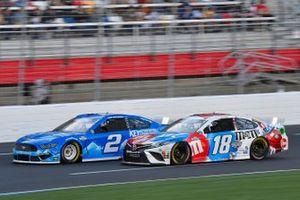 Brad Keselowski, Team Penske, Ford Mustang Keystone Light, Kyle Busch, Joe Gibbs Racing, Toyota Camry M&M's Red, White & Blue
