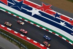 Martin Truex Jr., Joe Gibbs Racing, Toyota Camry Bass Pro, Kyle Tilley, Live Fast Motorsports, Ford Mustang Bremont / Battle Associates