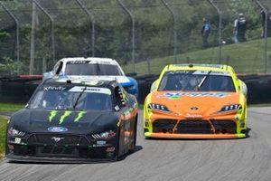 Riley Herbst, Stewart-Haas Racing, Ford Mustang Monster Energy and Brandon Jones, Joe Gibbs Racing, Toyota Supra Menards/Swiffer