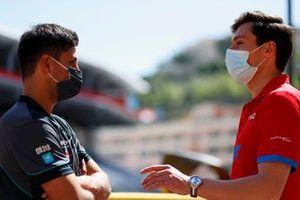 Mitch Evans, Jaguar Racing, talks with Alex Lynn, Mahindra Racing