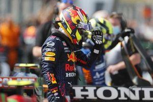 Sergio Perez, Red Bull Racing, dans le parc fermé