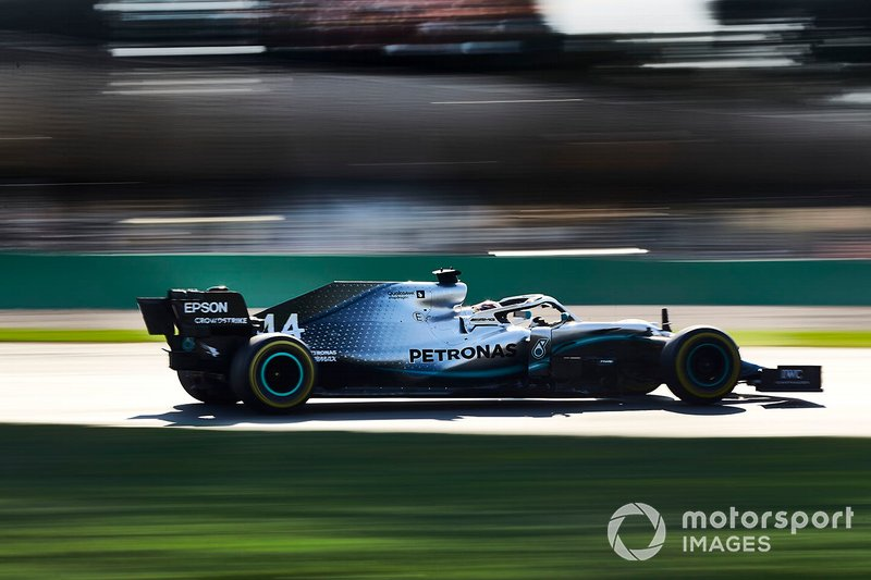 Hamilton gets extra boost for fastest lap attempt