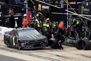 Kurt Busch, Chip Ganassi Racing, Chevrolet Camaro Monster Energy, pit stop