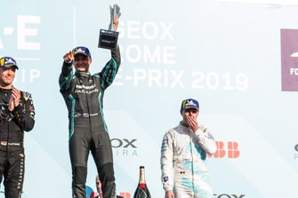 Mitch Evans, Panasonic Jaguar Racing, 1st position, celebrates his maiden victory on the podium alongside Andre Lotterer, DS TECHEETAH, 2nd position, Stoffel Vandoorne, HWA Racelab, 3rd position