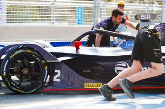 Sam Bird, Envision Virgin Racing, Audi e-tron FE05, is pushed into the garage by mechanics