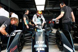 Stoffel Vandoorne se sube a su HWA Racelab VFE-05