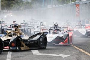 Andre Lotterer, DS TECHEETAH, DS E-Tense FE19, Jérôme d'Ambrosio, Mahindra Racing, M5 Electro, at the start
