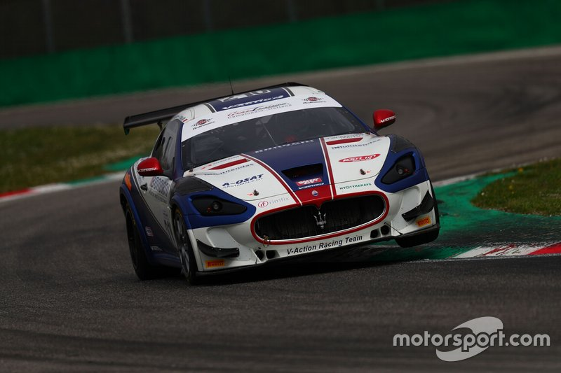 #210 Maserati Gran Turismo MC GT4, V-Action Racing Team: Cerqui-Pajuranta-Rodrigues