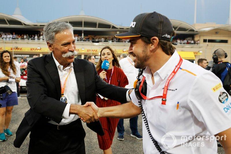 Chase Carey, Presidente, Fórmula 1, con Fernando Alonso