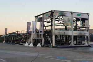 Brand in de paddock van het Jerez Circuit