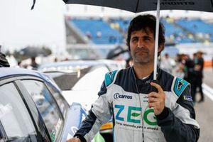 Sérgio Jimenez, Jaguar Brazil Racing, on the grid
