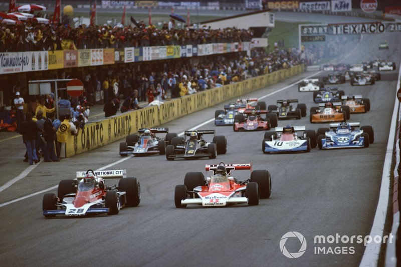 John Watson, Penske PC4 Ford, James Hunt, McLaren M23 Ford, Gunnar Nilsson, Lotus 77 Ford, Tom Pryce, Shadow DN5B Ford, Ronnie Peterson, March 761 Ford and Jacques Laffite, Ligier JS5 Matra