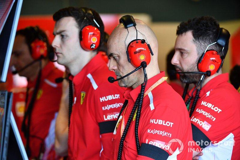 Ferrari takım çalışanları