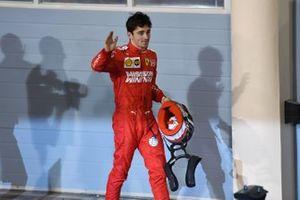 Charles Leclerc, Ferrari, tercero, llega al podio