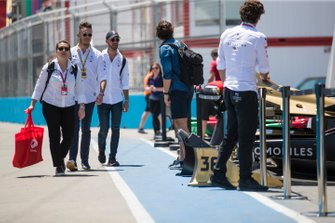 Andre Lotterer, DS TECHEETAH, Jean-Eric Vergne, DS TECHEETAH, arrive in the pits