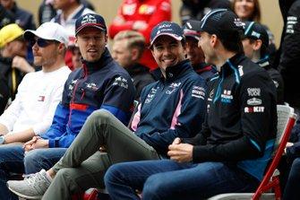 Daniil Kvyat, Toro Rosso, Sergio Perez, Racing Point, et Robert Kubica, Williams Racing