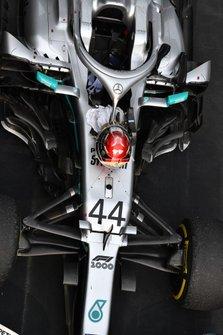 La voiture du vainqueur, Lewis Hamilton, dans le Parc Fermé