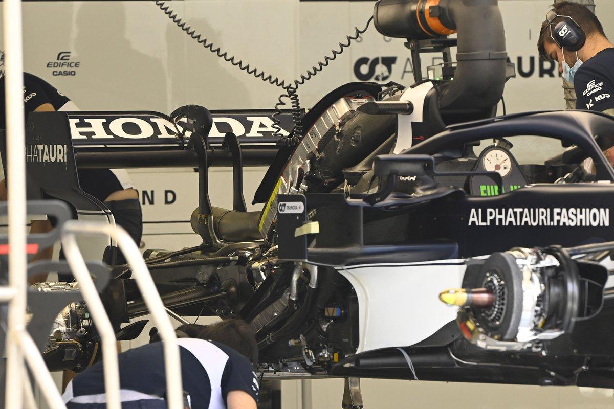 AlphaTauri AT02: Motorinstallation