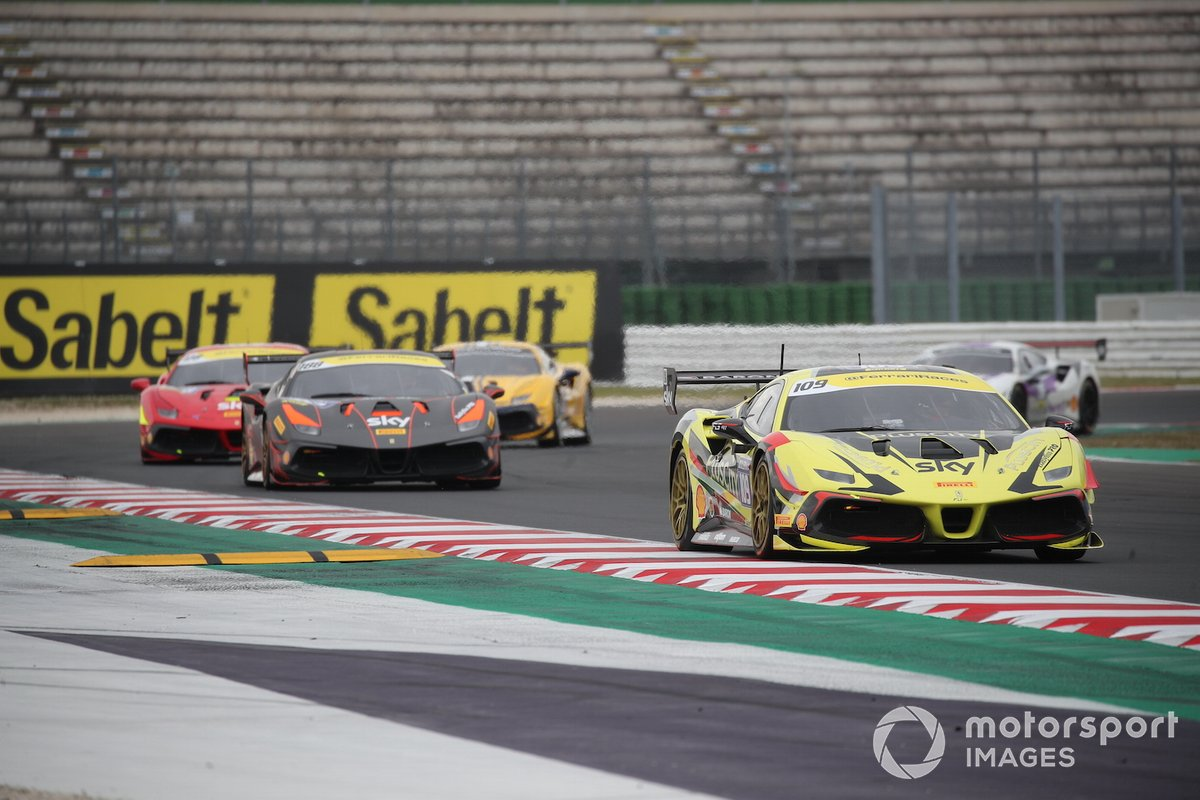 Ernst Kirchmayr, Baron Motorsport precede Roger Grouwels, Race Art - Kroymans