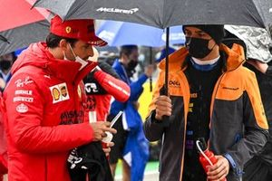 Carlos Sainz Jr., Ferrari, with Lando Norris, McLaren