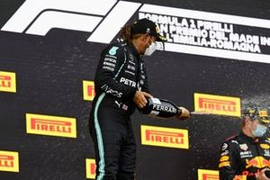 Lewis Hamilton, Mercedes, 2nd position, sprays Champagne