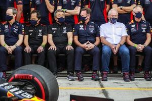 Toyoharu Tanabe, F1 Technical Director, Honda, Masashi Yamamoto, General Manager, Honda Motorsport, Christian Horner, Team Principal, Red Bull Racing, and Helmut Marko, Consultant, Red Bull Racing