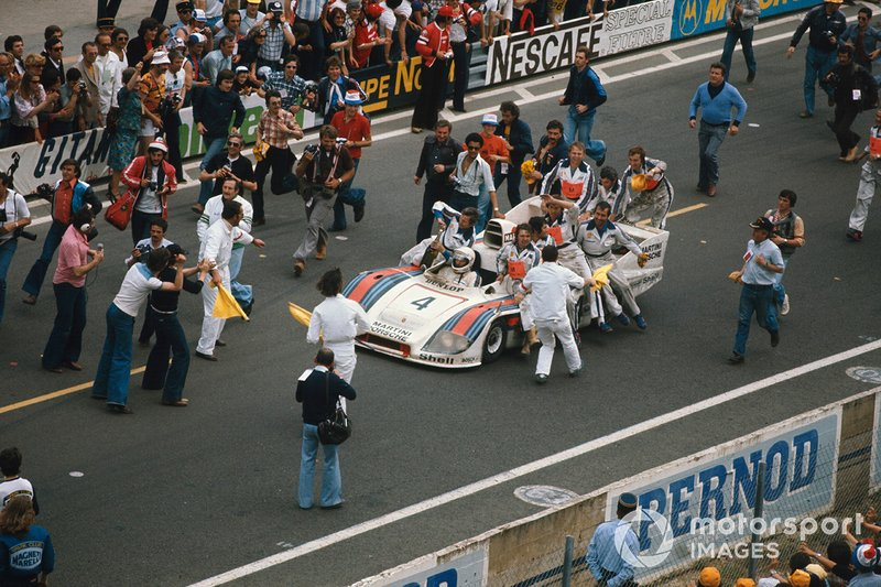 Jurgen Barth, Hurley Haywood, Jacky Ickx, Porsche 936/77