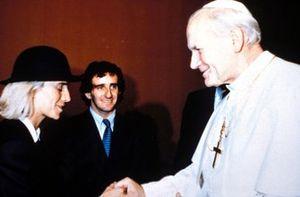 Alain Prost mit Ehefrau Anne-Marie und Papst Johannes Paul II