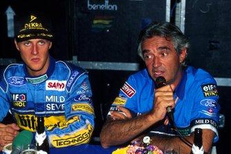 Michael Schumacher, Benetton y el director del equipo de Benetton, Flavio Briatore