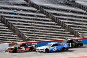Austin Dillon, Richard Childress Racing, Chevrolet Camaro and Ryan Newman, Roush Fenway Racing, Ford Mustang Wyndham Rewards