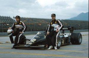 Elio de Angelis, Lotus, und Nigel Mansell, Lotus, Lotus 95T
