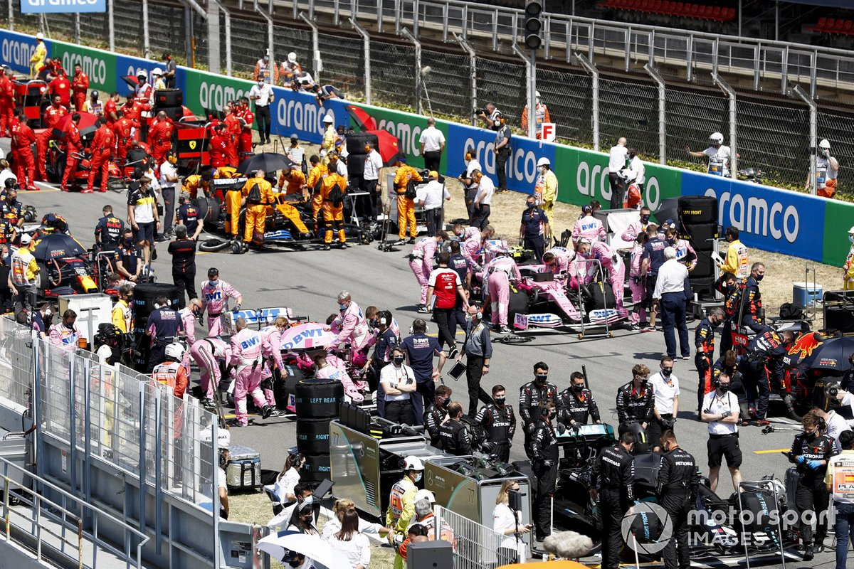 Lance Stroll, Racing Point RP20 e Sergio Perez, Racing Point RP20 sulla griglia