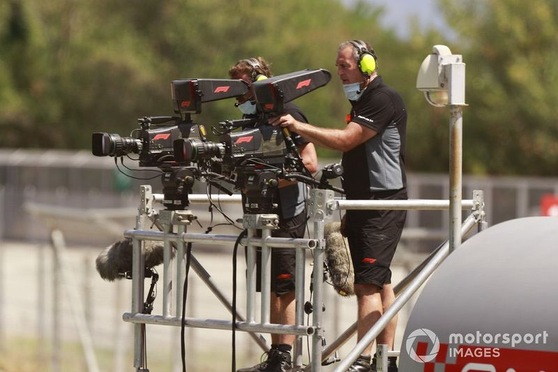"""Netflix would """"think about"""" F1 buyout to stream races"""