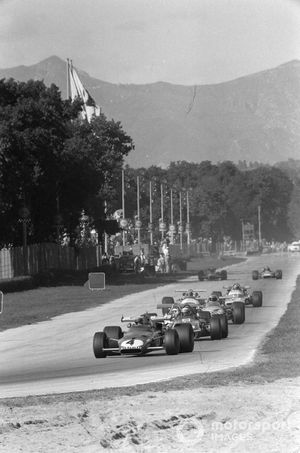 Clay Regazzoni, Ferrari 312B leads Jackie Stewart, March 701 Ford