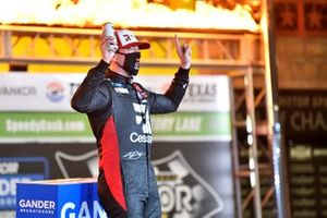Yarış galibi Kyle Busch, Kyle Busch Motorsports, Toyota Tundra