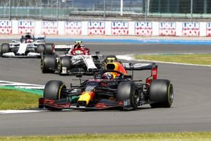 Alex Albon, Red Bull Racing RB16, Antonio Giovinazzi, Alfa Romeo Racing C39, and Daniil Kvyat, AlphaTauri AT01