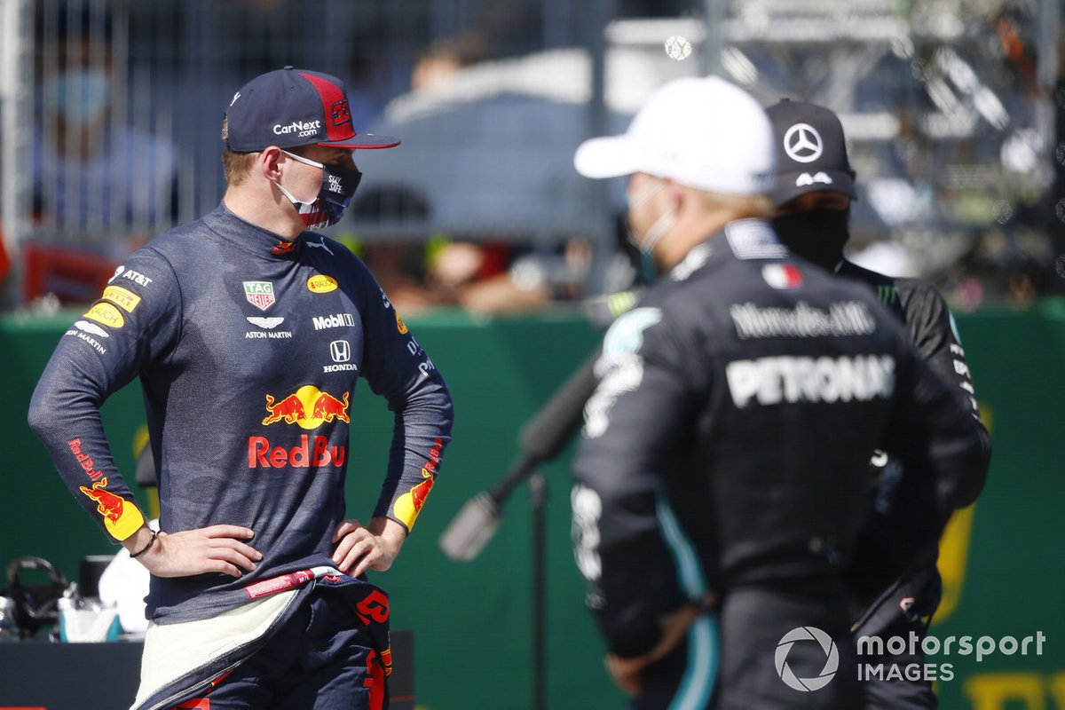 Max Verstappen, Red Bull Racing, Lewis Hamilton, Mercedes-AMG Petronas F1, y Valtteri Bottas, Mercedes F1 W11 EQ Performance