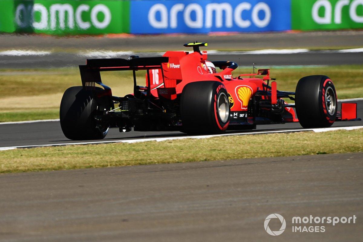Charles Leclerc, Ferrari SF1000 con una luz es visible debajo del monoplaza