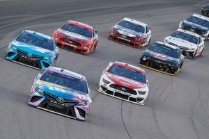 Kyle Busch, Joe Gibbs Racing, M&M's Fudge Brownie Toyota Camry, Martin Truex Jr., Joe Gibbs Racing, Auto Owner's Insurance Toyota Camry