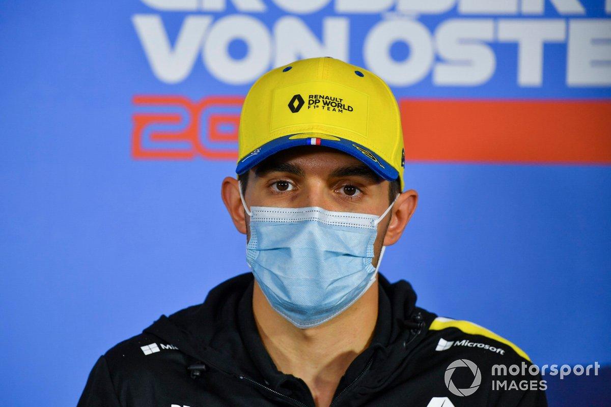 Esteban Ocon, Renault F1 Team en la conferencia de prensa