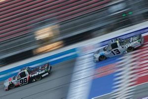 Grant Enfinger, ThorSport Racing, Ford F-150 Farm Paint/Curb Records Johnny Sauter, ThorSport Racing, Ford F-150 Vivitar/Bence Motor Sales