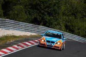 #701 BMW 325i: Christopher Rink, Danny Brink, Philipp Leisen