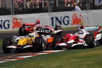 Giancarlo Fisichella, Renault R27 and Jarno Trulli, Toyota TF107