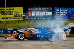 Scott Dixon, Chip Ganassi Racing Honda celebrates winning