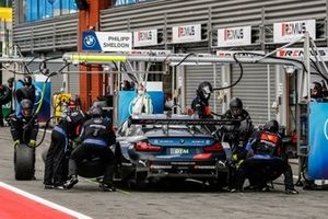 Philipp Eng, BMW Team RBM, BMW M4 DTM, pitstop