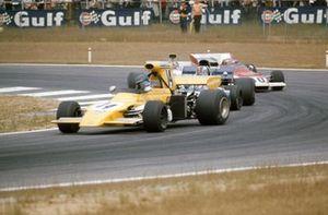 Mike Beuttler, March 721G Ford, François Cevert, Tyrrell 002 Ford, Chris Amon, Matra MS120C y Clay Regazzoni, Ferrari 312B2