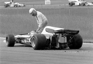 Clay Regazzoni, Ferrari 312B2 después del accidente