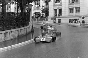 François Cevert, Tyrrell 002 Ford leads Tim Schenken, Surtees TS9B Ford